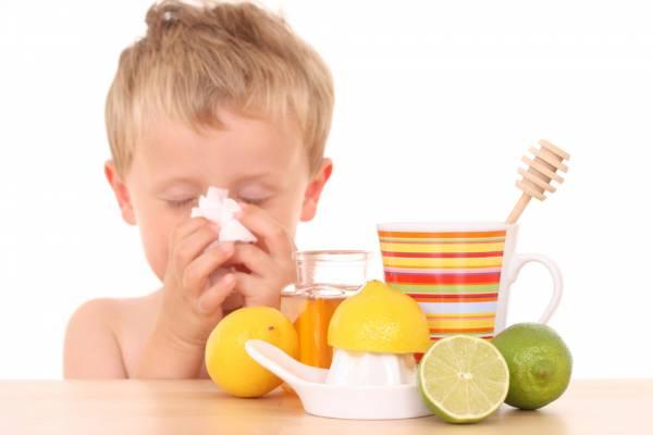 come affrontare raffreddore e tosse, nemici del sonno