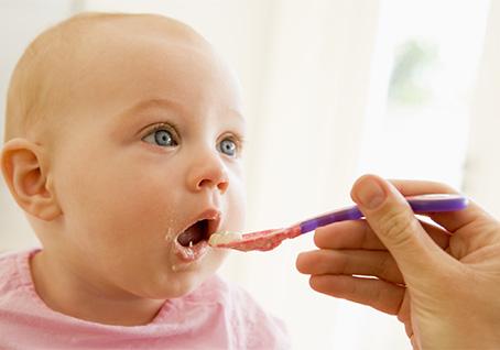 orari indicati per l'alimentazione dei bambini